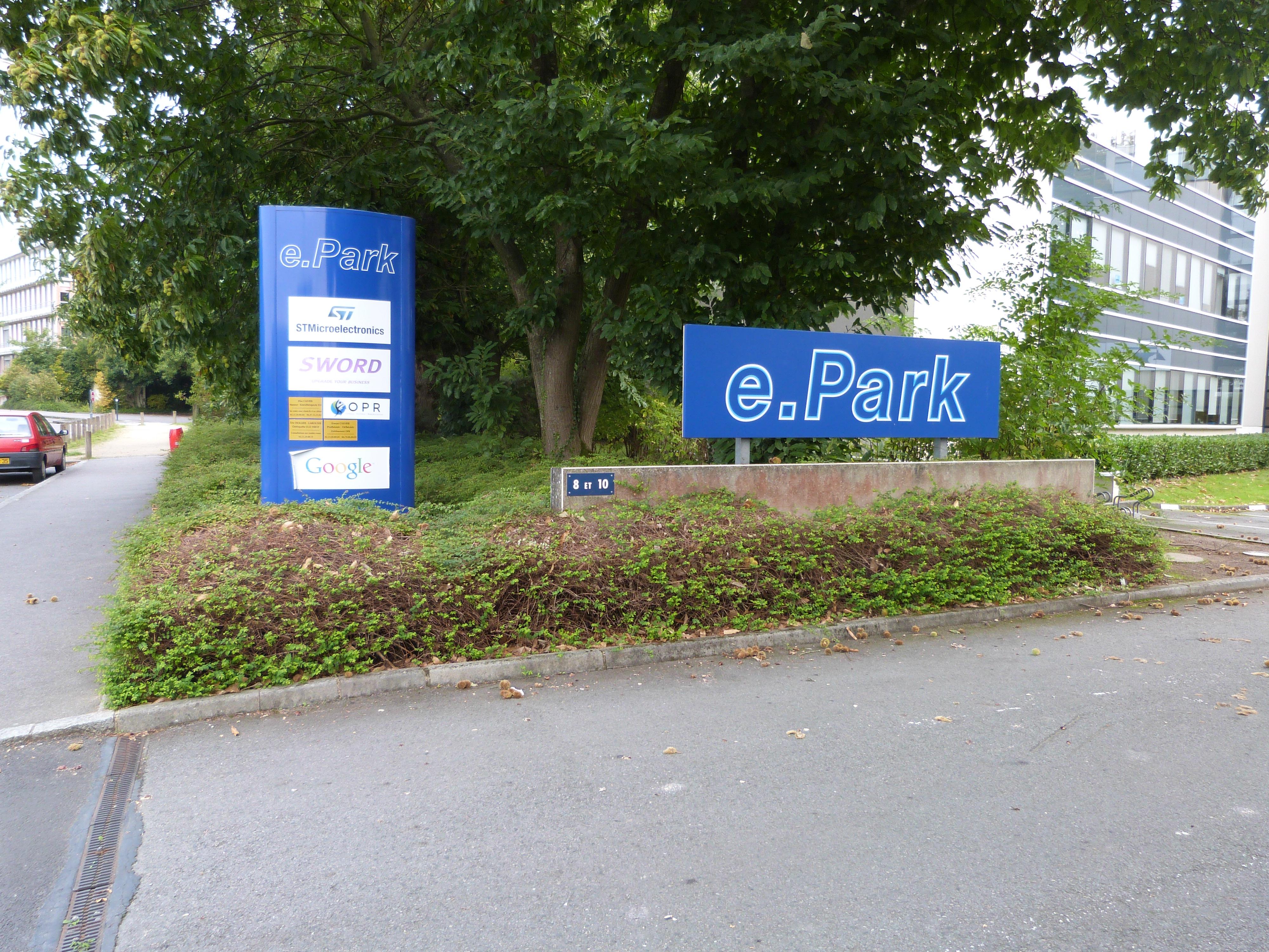 Entrée du parking avec panneau E-Park
