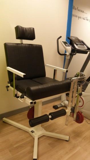 Chaise à quadriceps/ischio-jambiers