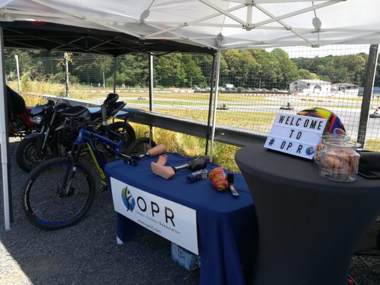 stand OPR orthèse prothèse rééducation pour l'évenement handiracing karting pour peronnes handicapées