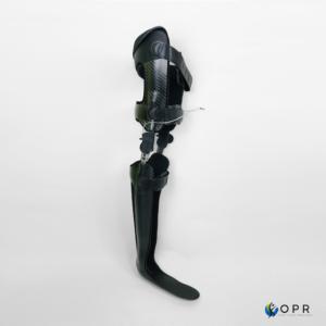 orthèse cruro pédieuse en carbone légénere et fonctionelle dans nos cabients d'orthopédie, orthésiste en bretagne à rennes et a saint lo et avranches en normandie