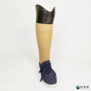 prothèse de jambe invisible et discrète grâce à une mousse esthétique réalisée sur mesure pour les patients dans nos cabinets de rennes, avranches et Saint-lô prothésistes