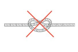 systeme de cordelette sur l'emboiture, verifiez qu'il n'y ait pas de noeud sur la ficelle