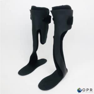 orthèse en carbone sur moulage pour les jambes en bretagne a rennes et en Normandie a Avranches et Saint lo