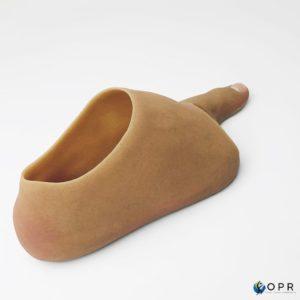 Prothèse de pied en silicone pour amputation partielle, ce type de prothèse permet une esthétique très réaliste réalisée en bretagne a rennes et en normandie a avranches et saint lo