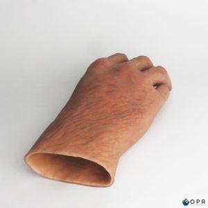 prothèse de main pour amputation partielle de la main ou des doigts, une prothèse esthétique réaliste en silicone en bretagne en ile et vilaine et dans la manche dans les établissements d'Arvanches et Saint Lo