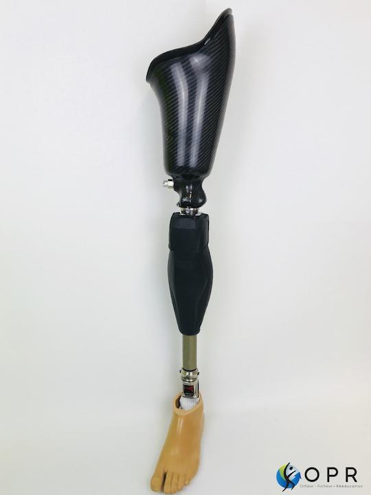 Genium genou X3 mecatronique pour amputé à la cuisse, fabrication de prothèses fémorales à Rennes en Ile et Vilaine