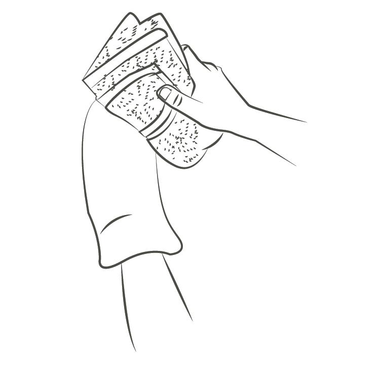 secher le manchon avec une serviette non plucheuse